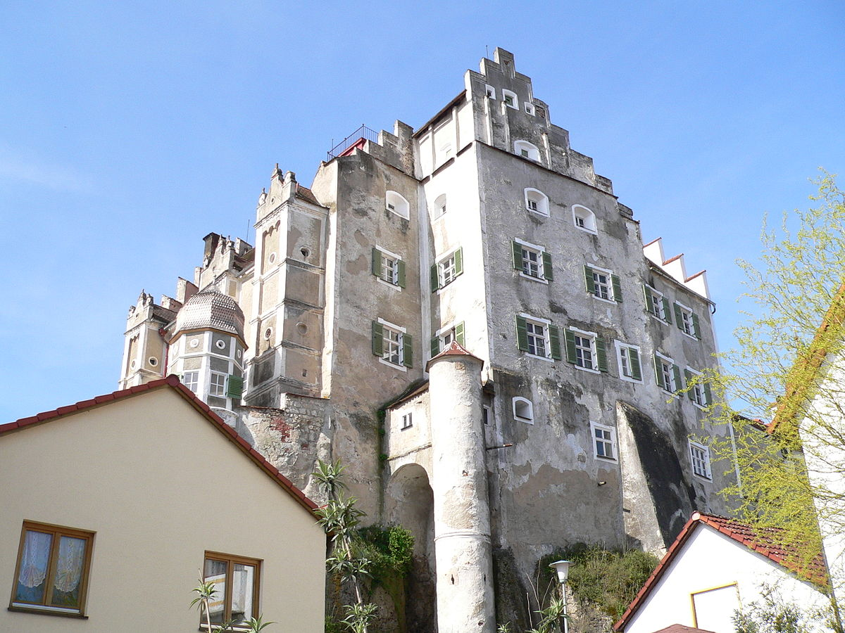 Castello di Sandersdorf, dove furono confiscati a De Bassus, mecenate di Mayr, i documenti illuminati segreti